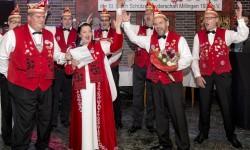 Sandra Brinkmeier inmitten der Millinger Karnevalisten. Ihre Familie ist im dörflichen Millinger Karneval bekannt. FOTO: Arnulf Stoffe